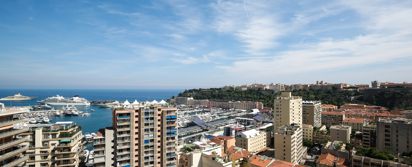 La Costa Properties Monaco : Overlooking the port of Monaco