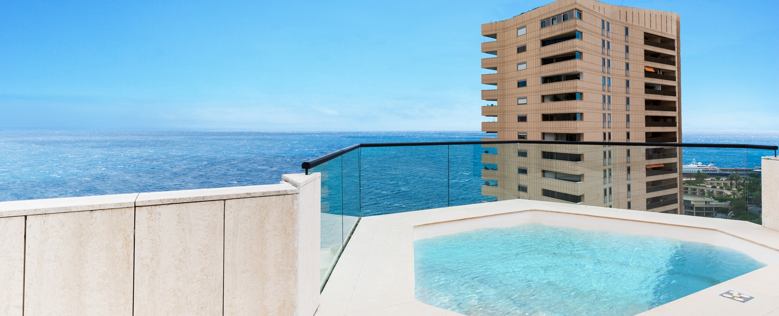 La Costa Properties Monaco : RARE - Penthouse with Rooftop and private pool