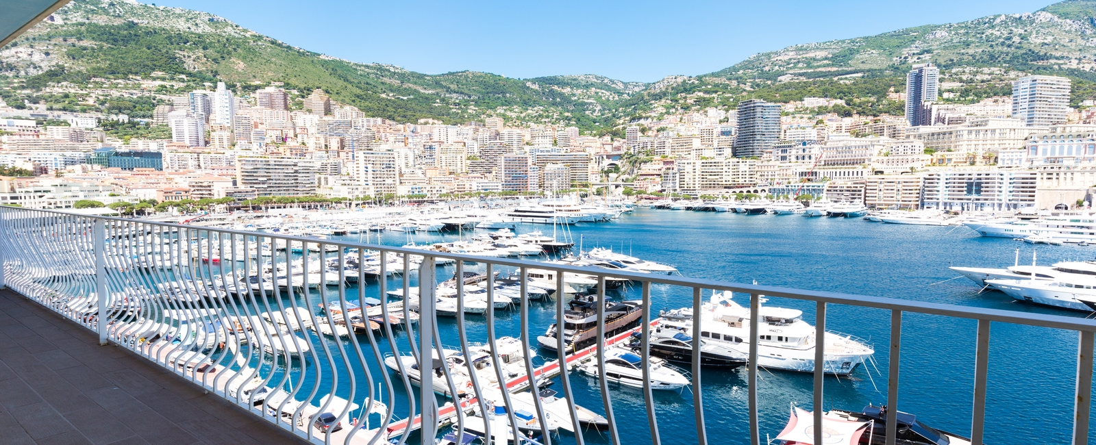 La Costa Properties Monaco : EXCEPTIONAL FURNISHED APARTMENT FACING THE PORT